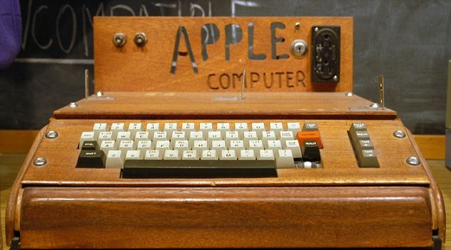 "Первый компьютер Apple - ""Apple-1"""